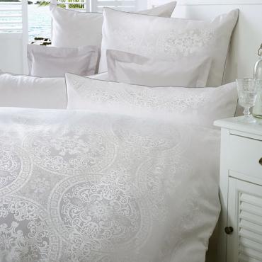 """Комплект постельного белья """"Одиссея"""", белый, дамаст, евростандарт"""
