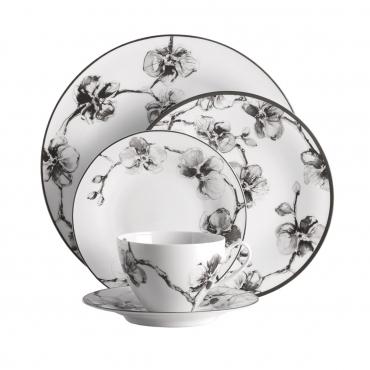 """Фарфоровый набор для сервировки на одну персону """" Black Orchid """": обеденная, десертная и пирожковая тарелки, чашка с блюдцем"""