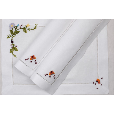 """Плейсмат льняной с ручной вышивкой """"Flowergarde"""", 51х38 см"""
